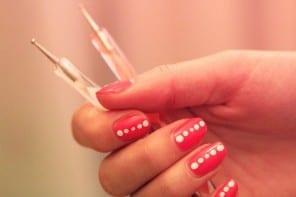 naglar med dotting tool